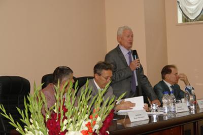 Президиум - Арутюнян Б Н, Труханов А И, Рахманин Ю А, Хавинсон В Х